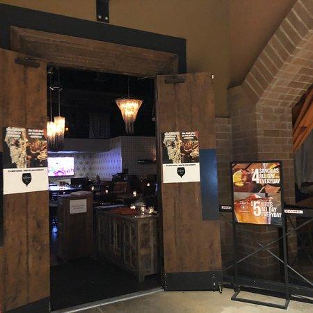 The Living Room Wine Cafe Amp Lounge Tucson Restaurant