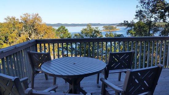 Balcony - Lakeview Lodge Photo