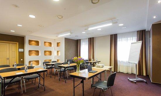 Restaurant - Foto Vizavi Hotel, Yekaterinburg - Tripadvisor