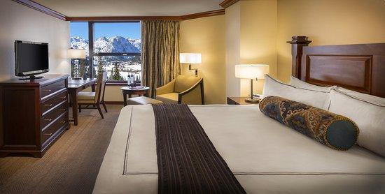 Resort at Squaw Creek: Suite