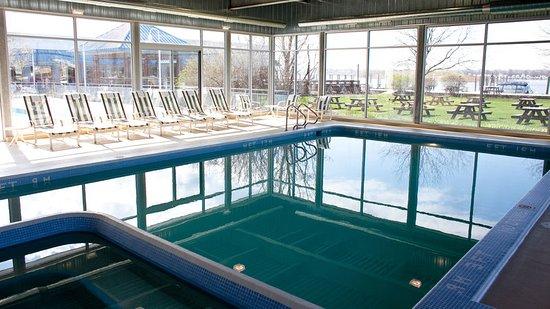 Spring Lake, MI: Pool