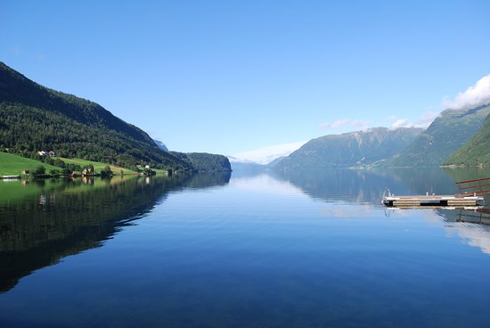הורנינדאל, נורווגיה: Il lago Hornindalsvatnet, il più profondo d'Europa