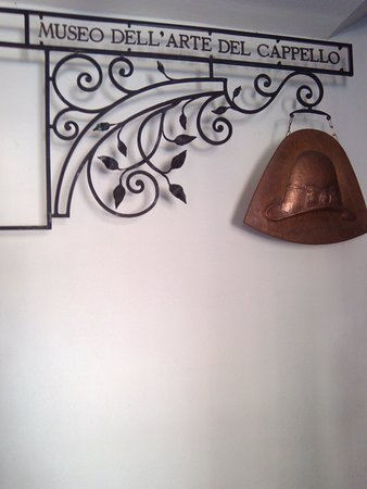 Museo dell Arte del Cappello (Ghiffa)  AGGIORNATO 2019 - tutto ... 81864a8297e9