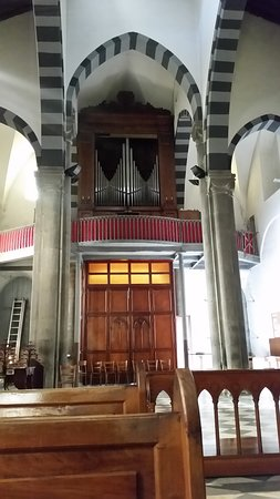 Organ near entrance