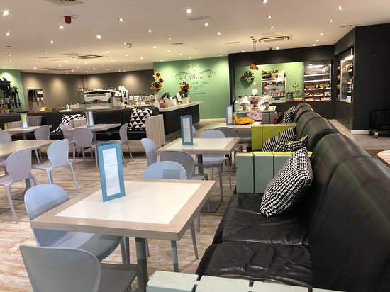 Comfortable sofas and family friendly dining at Head Over Heels