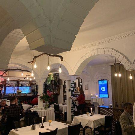 persisches restaurant olivengarten berlin charlottenburg wilmersdorf bezirk restaurant. Black Bedroom Furniture Sets. Home Design Ideas