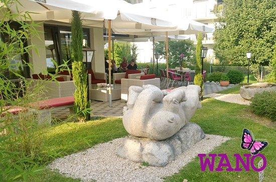 Niederweningen, Swiss: Unsere Gartenterasse ist ein Treffpunkt zum geniessen...