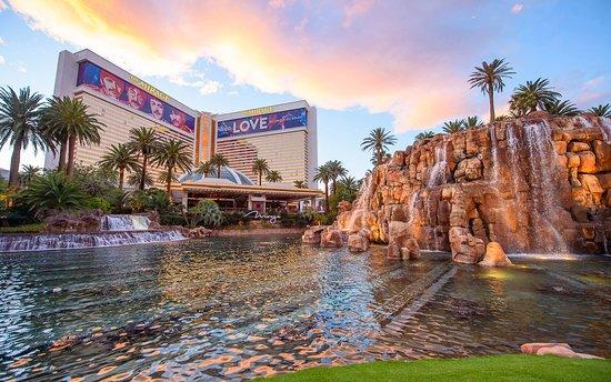 The Mirage Hotel Updated 2018 Prices Reviews Photos Las Vegas Nv Tripadvisor