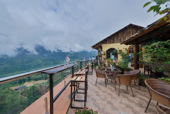 Chau Long Sapa 2 Hotel: it's nice view from our restaurant on the 7th floors