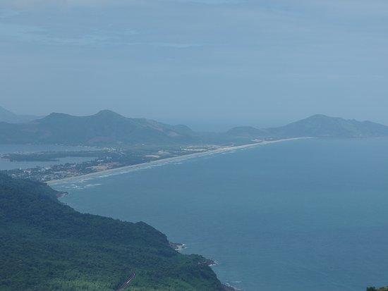 Lăng Cô, Việt Nam: View to Lang Co