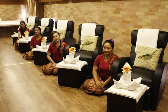 ‪Luxury Thai Massage Budapest‬