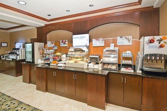 Holiday Inn Express Hotel & Suites Biloxi- Ocean Springs: Restaurant