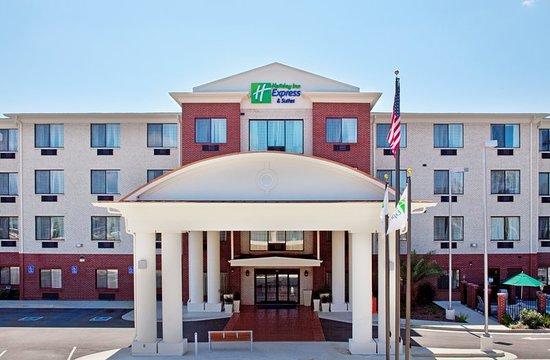 Holiday Inn Express Hotel & Suites Biloxi- Ocean Springs: Exterior