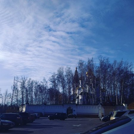 Knyazhye Ozero, Ρωσία: Церковь не далеко от ресторана.