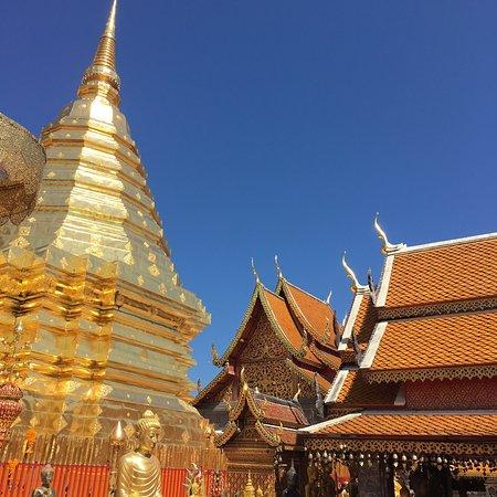 ドイステープ寺院とモン族種族村(Doi Pui)半日ツアー小グループ