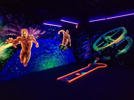 Funnygolf 3 D-Schwarzlicht-Minigolf