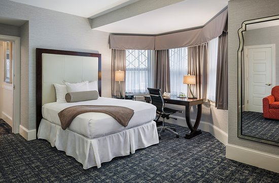 Wayne, PA: Double Deluxe Guest Room
