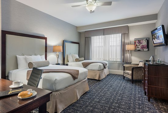 Wayne, PA: Double Double Deluxe Guest Room
