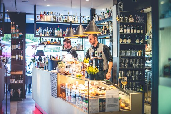 Loca Gintoneria , Cocktail Bar , Colazioni e Pranzi
