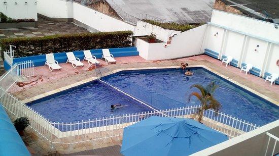 La Vega, Kolumbia: Piscina exclusiva del hotel para momentos de relax de nuestros clientes.