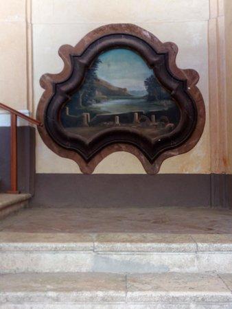Caiazzo, Italy: Affresco sulle scale