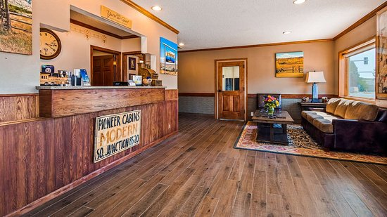 Lusk, WY: Front Desk