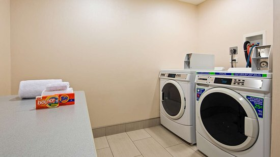 Countryside, IL: Laundry Room