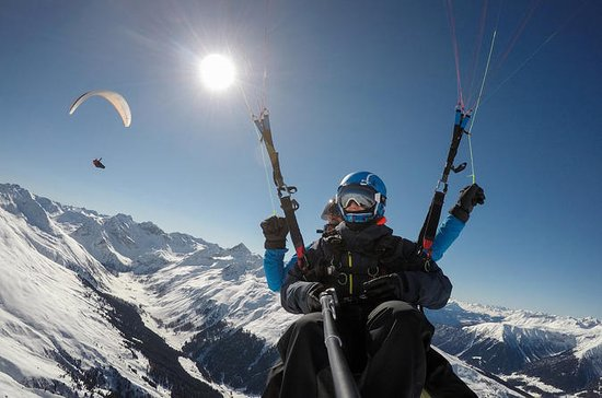 Davos Paragliding For 2 Passengers...
