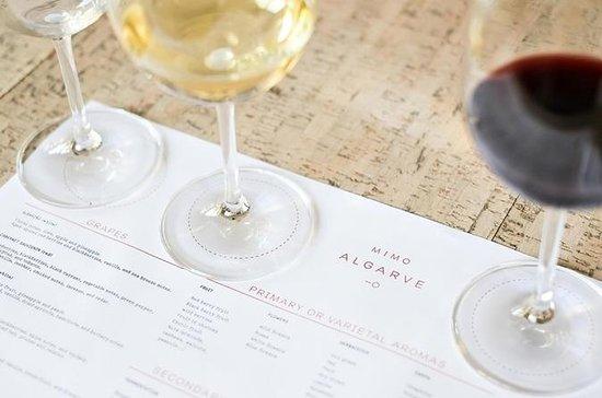 Nommez ce vin: Dégustation à...