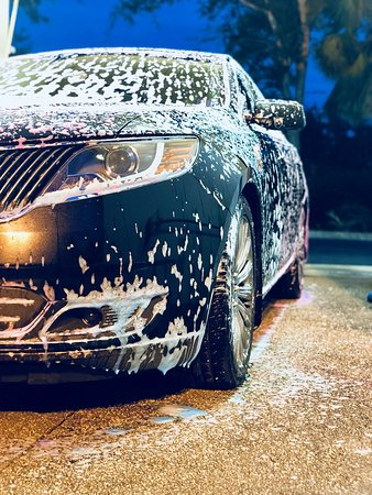 Our clients are our biggest asset,and customer loyalty is our ultimate goal.That's way at Naples Royal Transportation we make sure our cars are sparkling