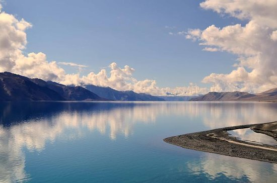 LADAKH MOUNTAINS & LAKE TOURS