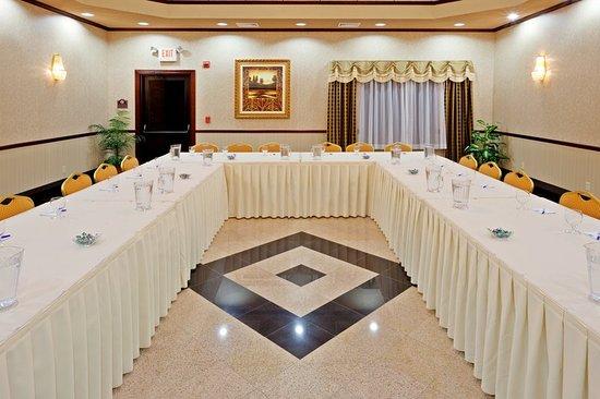 Newton, NJ: Meeting room