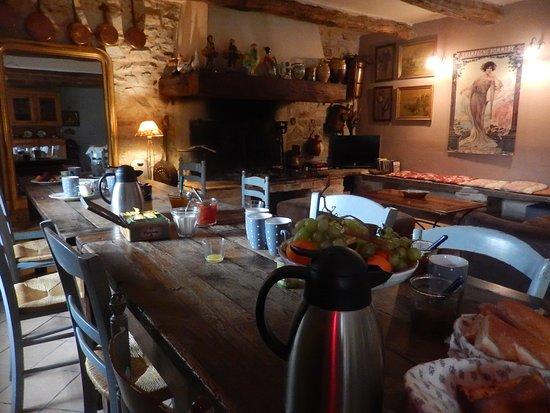 Saint-Pons-de-Thomieres, Γαλλία: Après le petit déjeuner