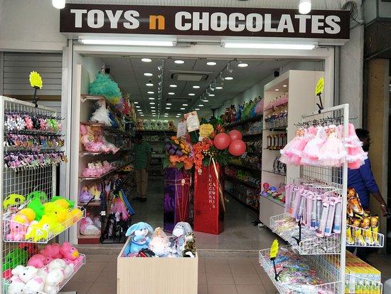Toys n Chocolates