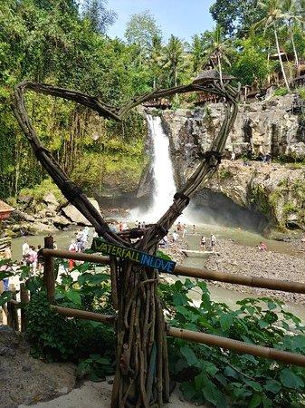 Tegenungan Waterfall Photo