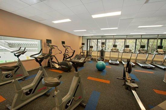 Plainsboro, NJ: Health club