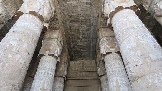Colonne nel Tempio di Dendera