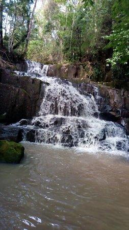 Sapopema, PR: cachoeira