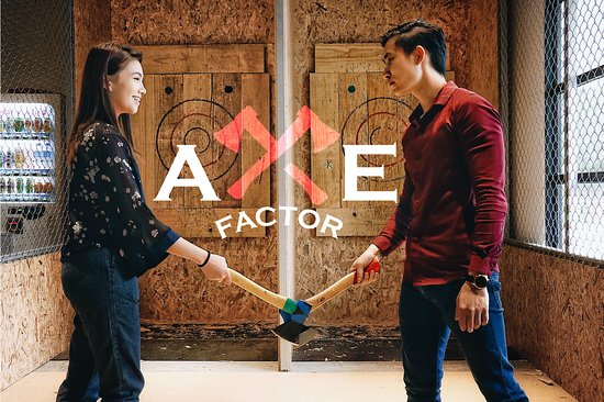 ‪Axe Factor - Axe Throwing‬