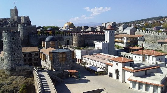 Akhaltsikhe, Georgia: Dear travellers. Rabati Castle is most amazing place to visit in Georgia. Every year Castle is getting popular among tourists.