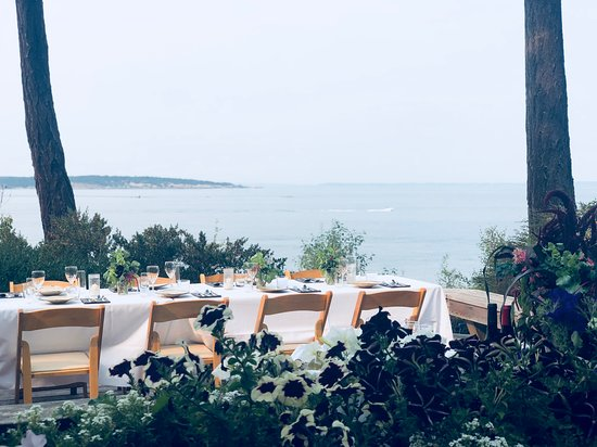 Eastsound, Ουάσιγκτον: Private dining, looking out over to Matia Island. Little piece of heaven.