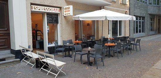 Gemütliches Café im Wohnzimmer- Style - Espresso Bar, Berlin ...