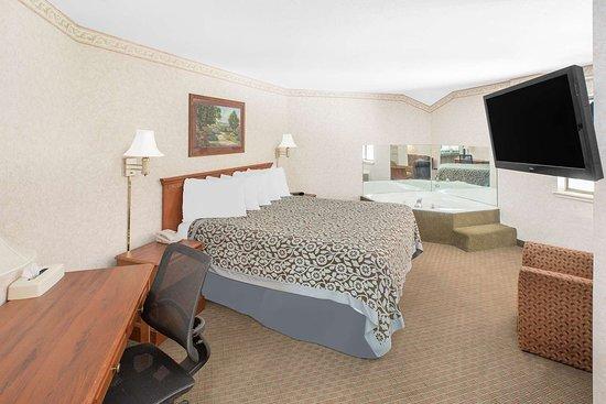 Brinkley, AR: Suite