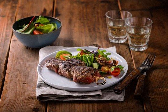 Vilvoorde, Belgium: Biefstuk Salade Gerecht Edit