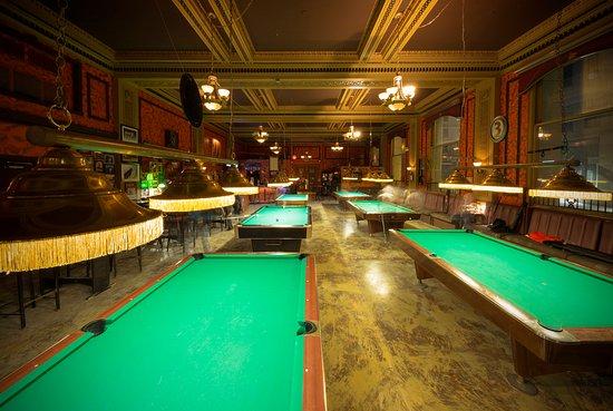 Locas Bar & Billiards