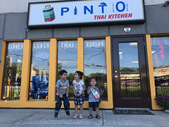 Colonie, Estado de Nueva York: Children love Thai food also.