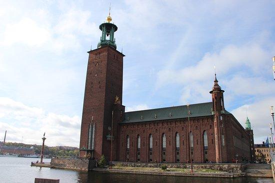 Sztokholm, Szwecja: Стокгольмская ратуша.