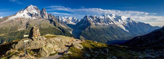 Haute-Savoie, Francia: Live Breathe Hike....Choose Your Next Adventure!