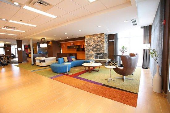 East Grand Forks, Миннесота: Lobby