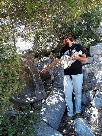 Neve Ativ: המקדש היטורי בהר סנאים
